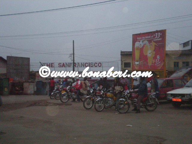 Les moto-taxi s'y retrouvent habituellement