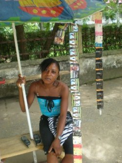 Anne-Marie Ngombi, gérante de call box au Cameroun